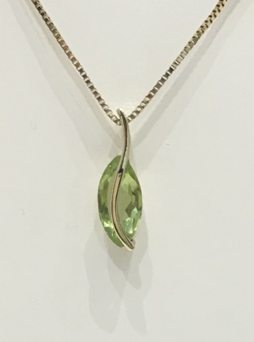 Marquise Peridot Yellow Gold Necklace